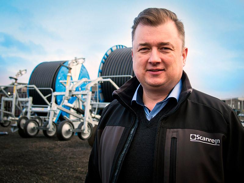 Pr. 1. februar 2017 er Michael Thomsen ansat som sælger hos Scanregn A/S i Grindsted. Michael har mere end 10 års erfaring med salg af maskiner til landbrug, maskinstationer og kommuner. Senest hos Thyregod A/S.